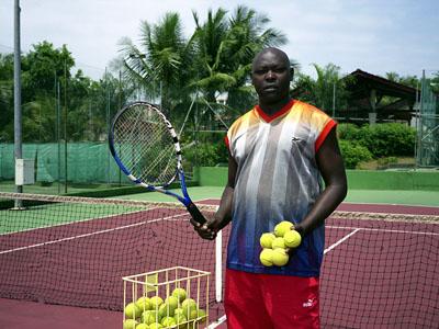 Antoine Makoti, Tennis Instructor, Club Saoti, Libreville, Gabon2 © Philippe Sibelly
