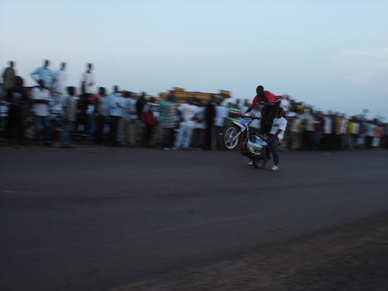 Rassemblement de motos à Bamako © Sébastien Rieussec