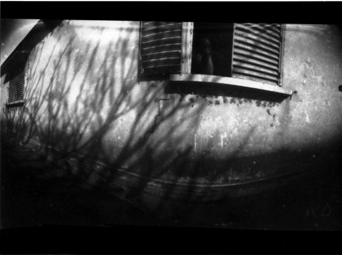 photographies issues de l'atelier sur le sténopé, réalisées par les élèves