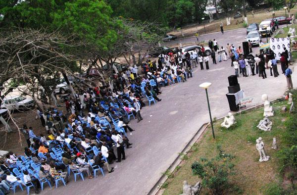 Le public lors du Festival AfrikAribu © Baudouin Mouanda