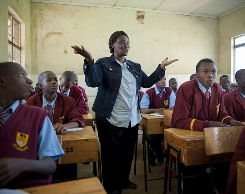 Joy during her french class at Pumwani secondary school. Students range from almost poor to rich and can be considered for most of them as part of middle class families © Joan Bardeletti