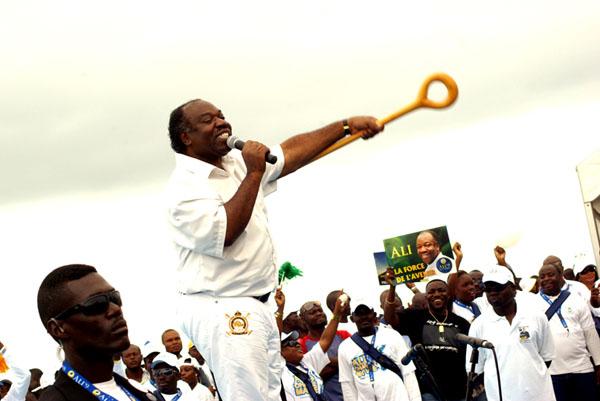 Ali Bongo, fils du défunt président en route pour hériter du fauteuil présidentiel © Baudouin Mouanda