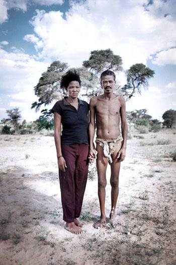 Série Comeback to Kalahari / Siliekat & Elsie, Artisans Communauté Khomani, Andriesvale - 2009 © nicolalocalzo
