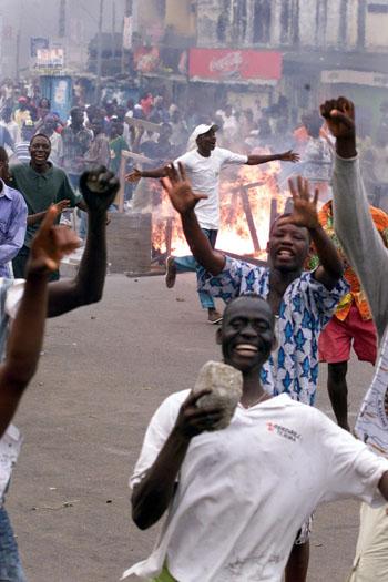 Manifestation de rue en octobre 2000 à Abidjan. © Issouf Sanogo