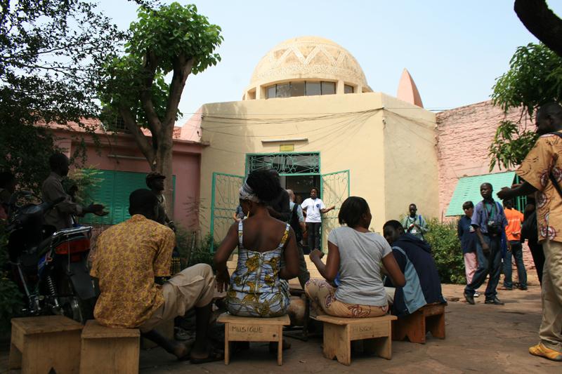 Vernissage de l'expo de Nii obodai à l'INA © Seydou Camara