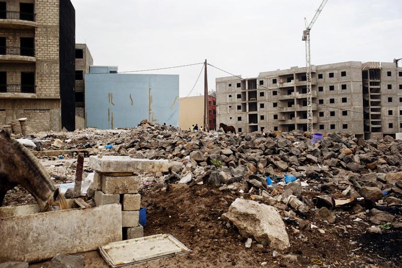 Des immeubles en construction comme ceux du quartier Sicap fleurissent aux quatres coins de Dakar depuis plusieurs années. L'opposition et certaines organisations de la société civile dénoncent la