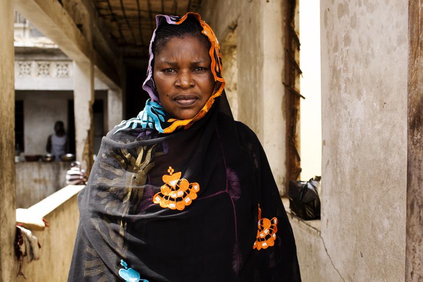 Seynabou Ba dépense aujourd'hui 4 ou 5000 francs pour le repas du midi. Il y a quelques années, 2000 francs suffisaient. © Camille Millerand