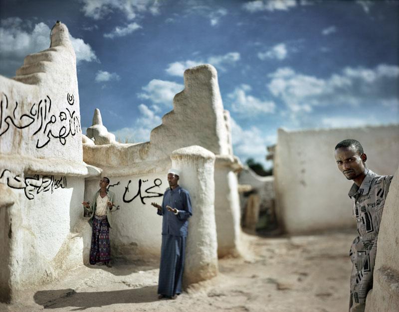 Prière de l'après-midi, Sheik Hussein, 2005 © Juan Manuel Castro Prieto