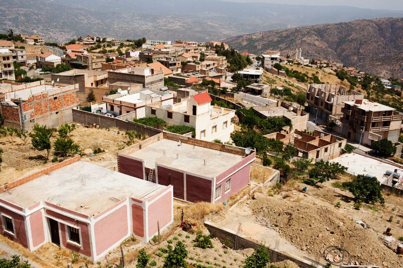 Sur les hauteurs du village de M'cisna, situé à 60 KM de Bejaia en Kabylie, à 700 m d'altitude.© Camille Millerand