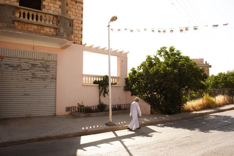 5 juillet 2012, 50ème anniversaire de l'indépendance de l'Algérie. Ce jour de fête nationale a été très peu célébré par les habitants du village. © Camille Millerand
