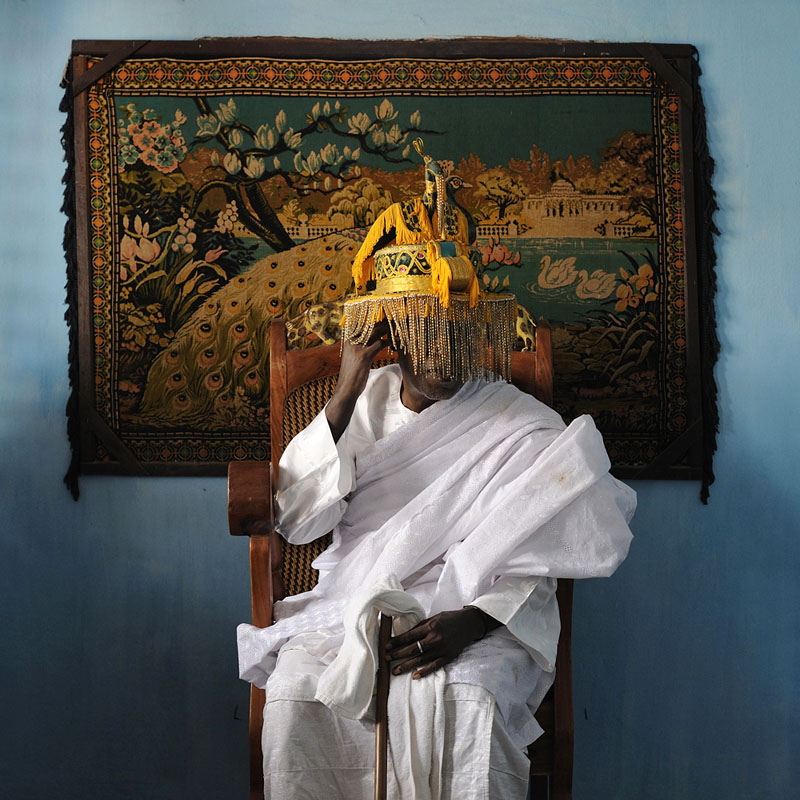 Sa majesté mito Daho Kpassènon - Nouveau Palais Royal de Ouidah, 2011 © Nicola Lo Calzo