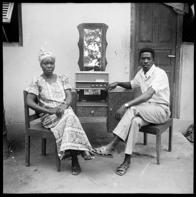 le menuisier avec la femme de son frère, Abidjan © Clic Clac Baby