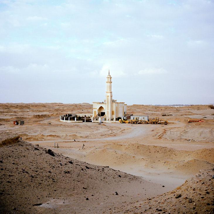 new cairo Cairo divided 2010 © jason larkin