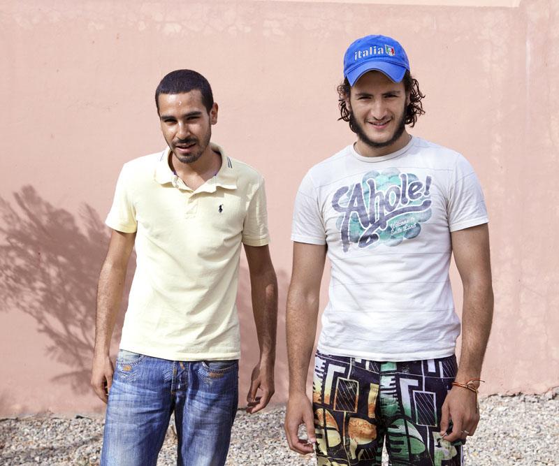 Jmarrakech, « Deux passants » © Hanane Housni