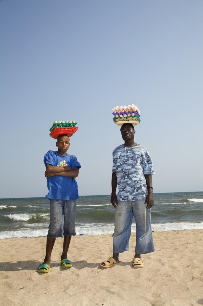 Les vendeurs d'œufs sur la plage du lac Tanganyika © Anaïs López